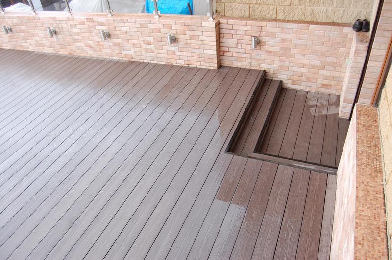 Терраса - балкон, москва. объект выполнен из террасной доски.